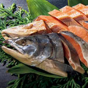 北海道ぎょれん 熟成新巻鮭 三段仕込み製法(甘塩味) 【冬ギフト・お歳暮】